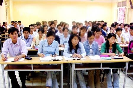 Sau 22 năm, số sinh viên tăng 13 lần, số trường tăng 3,7 lần, nhưng số giảng viên chỉ tăng 3 lần.