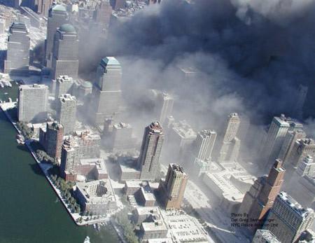 2.975 người đã thiệt mạng trong vụ khủng bố