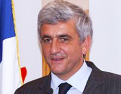 Bộ trưởng Quốc phòng Pháp Herve Morin. Ảnh: AFP.