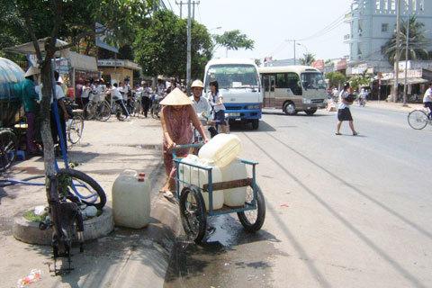 Khai thác nước ngầm quá mức sẽ gây sụt lún thành phố. Ảnh: An Hội