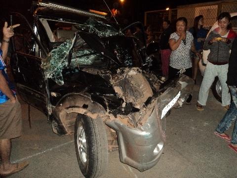 Một trong số 6 chiếc xe gặp nạn trên cầu Ghềnh. Ảnh: Otofun.