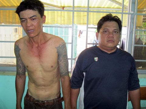 Hai nghi phạm tại cơ quan công an. Ảnh: An Nhơn