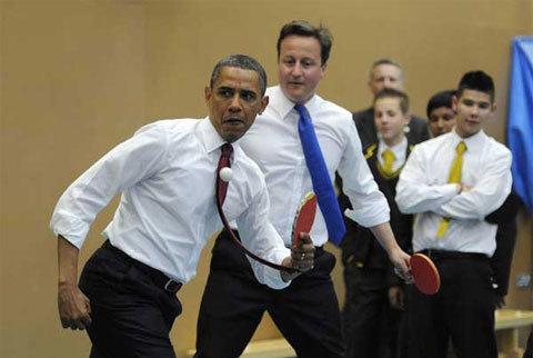 Obama và Cameron có thể có nhiều vấn đề lớn để thảo luận như chiến tranh ở Libya hay các cuộc nổi dậy ở thế giới Ả rập, nhưng hôm qua, họ đã dành ít thì giờ để thư giãn với môn bóng bàn.