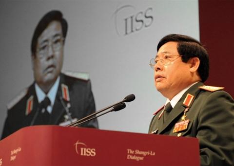Đại tướng Phùng Quang Thanh phát biểu tại Đối thoại Shangri-La trưa nay. Ảnh: AFP.