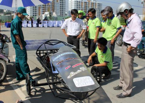 a-tb-1-solar-car-1349432585_480x0.jpg