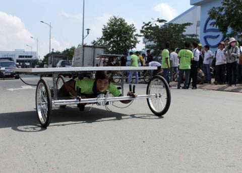 a-tb-15-solar-car-1349432586_480x0.jpg