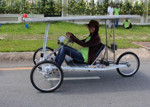 a-tb-17-solar-car-1349432586_480x0.jpg