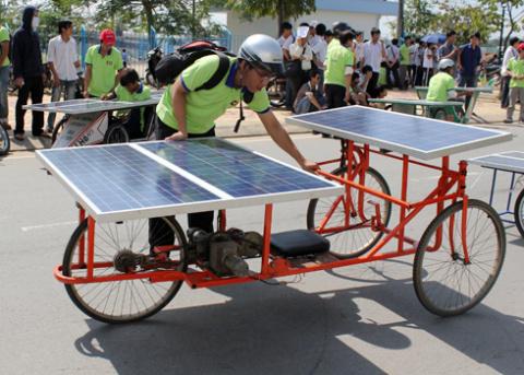 a-tb-7-solar-car-1349432585_480x0.jpg