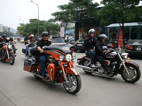 Môtô Hạ Long