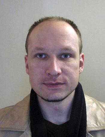 Nghi phạm Breivik có thể thoát án tù vì bị điên. Ảnh: AFP
