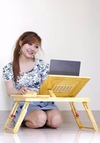 Mỗi tuần độc giả có số điểm cao nhất sẽ nhận được phần quà từ nhà tài trợ là bộ sản phẩm bàn vi tính, đế tản nhiệt của máy tính và chuột gỗ của nhà tài trợ. Ảnh minh họa