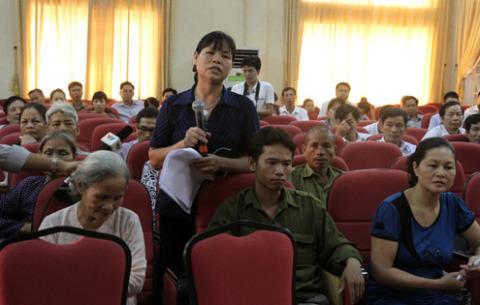 Bà Cấn Thị Thêu cho biết sẽ tiếp tục khiếu nại về nội dung kết luận. Ảnh: Nguyễn Hưng.