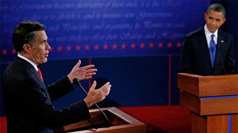 Mitt Romney tranh luận trực tiếp trên truyền hình cùng Barack Obama. Ảnh: AP