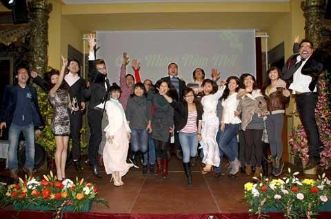 Sinh viên, lưu học sinh vui mừng đón tết cùng với bà con do Đại sứ quán VN tại Đức tổ chức