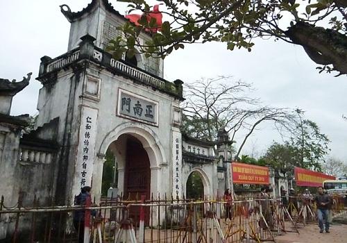 Toàn cảnh đền Trần