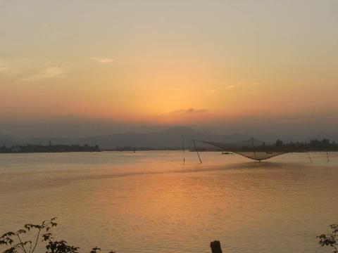 Cuối ngày (Sông Gianh đoạn qua xã Quảng Văn, huyện Quảng Trạch)