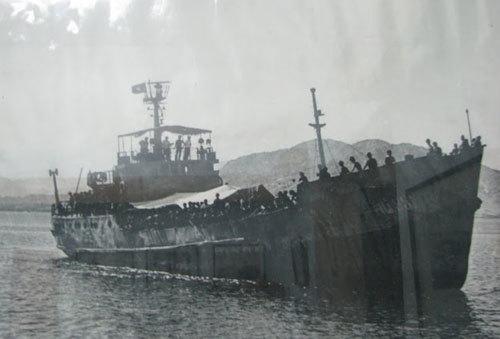 Tàu HQ 931 đưa các thương binh và chiến sĩ trong trận Gạc Ma về đất liền. Ảnh tư liệu