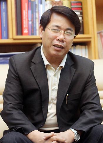 Giáo sư Phan Xuân Sơn: