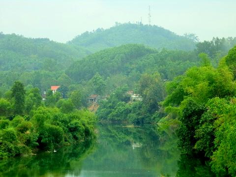 Sông núi hiền hòa