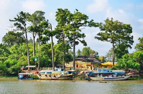 Bến sông quê trước mái Đình làng