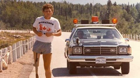 Năm 1980, với một chân bị cắt bỏ phải sử dụng chân giả, Terry Fox đã thực hiện một cuộc chạy xuyên Canada để quyên tiền và kêu gọi sự chú ý của người dân Canada với việc nghiên cứu chữa trị ung thư. Mặc dù căn bệnh ung thư di căn cuối cùng đã khiến Fox phải chấm dứt cuộc hành trình sau 143 ngày, 5.373 km và không lâu sau đó đã cướp đi mạng sống của anh, những nỗ lực của Terry Fox đã đem lại một di sản lâu dài ở tầm quốc tế