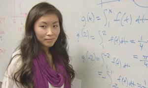 Nữ sinh gốc Việt đạt điểm toán cao nhất thế giới