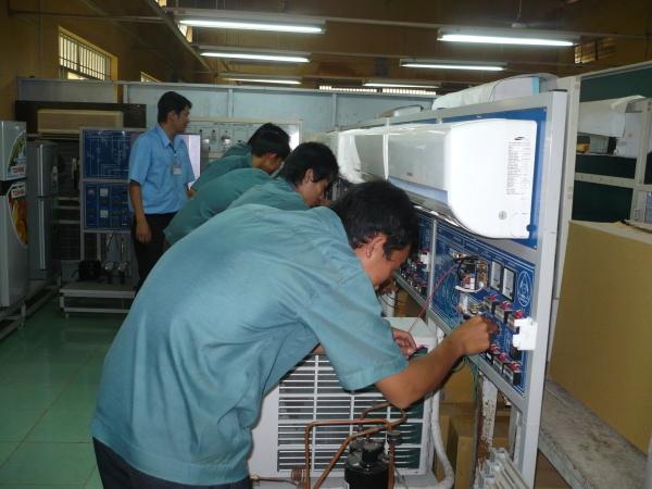 Nghề kỹ thuật máy lạnh và điều hòa không khí - VnExpress