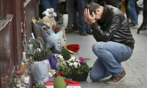 Kẻ đánh bom tự sát ở Paris mới 15 tuổi