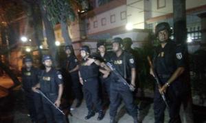 Nổ súng, bắt cóc con tin tại khu ngoại giao thủ đô Bangladesh