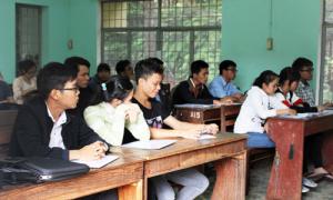 Nữ sinh chuyên Hóa ở Gia Lai bỏ thi vì bị ngất xỉu