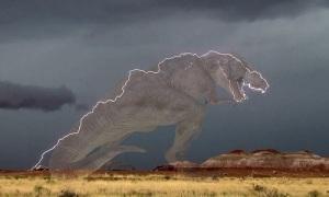 Sét hình khủng long bạo chúa rạch ngang bầu trời