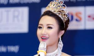 Hoa hậu Thu Ngân trả lời độc giả trực tuyến