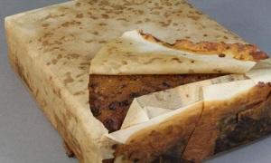 Bánh ngọt trái cây vẫn có thể ăn được sau 100 năm