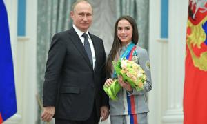 Nữ vận động viên Nga đề nghị dạy ông Putin trượt băng