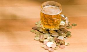 'Cần đánh thuế cao để bù đắp thiệt hại do bia rượu gây ra'
