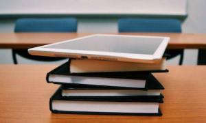 Lợi ích của việc kết hợp giữa học trực tuyến với truyền thống