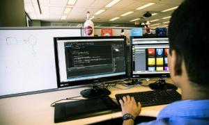 Phân biệt ngành khoa học máy tính và công nghệ thông tin
