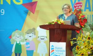 Tham tán giáo dục Australia đố vui với học sinh tiểu học Hà Nội