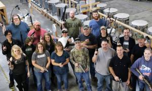 Công ty Mỹ tặng súng cho nhân viên nhân dịp Giáng sinh