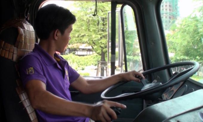 'Người 24 tuổi được phép lái xe container là quá trẻ'