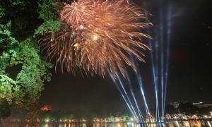 Các điểm bắn pháo hoa đêm giao thừa tại Hà Nội và TP HCM