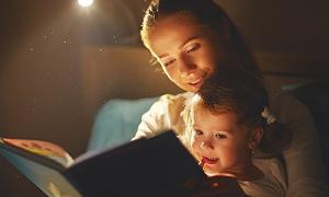 Mẹo giúp trẻ vượt qua nỗi sợ bóng tối hoặc 'quái vật'