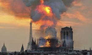 Cháy Nhà thờ Đức Bà Paris có thể do chập điện