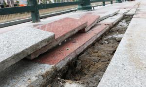 Bờ kè sông Tam Bạc bị nứt sau hai tuần khánh thành