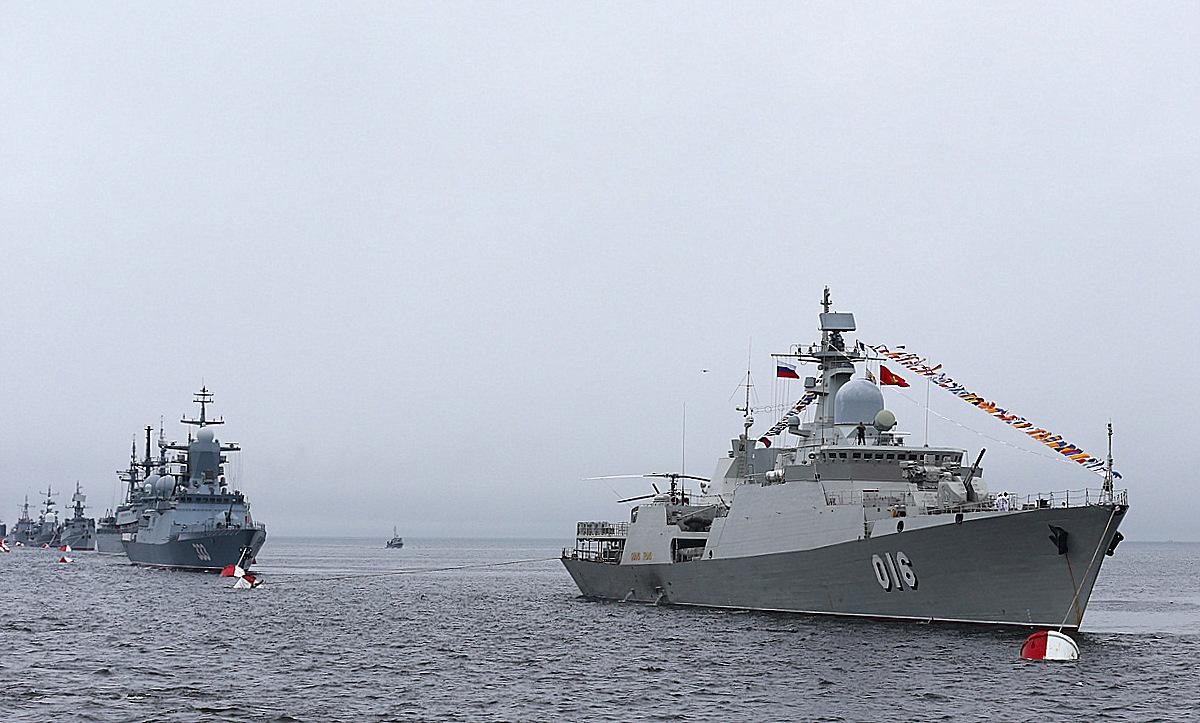 Trung Quốc cũng nhiều lần xâm chiếm quần đảo Hoàng Sa, Trường Sa gây thương vong cho nhiều binh sĩ hải quân Việt Nam.