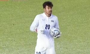 Thủ môn U22 Thái Lan nói cản penalty đúng luật
