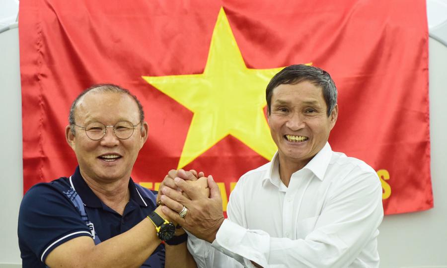 Hai đội Tuyển Bong đa Việt Nam Về Nước Vnexpress