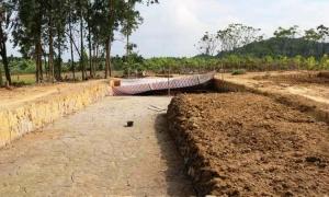 Bãi cọc Cao Quỳ được lấp đất để bảo quản
