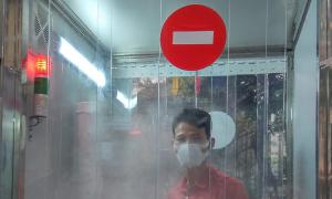 Kỹ sư Việt chế tạo buồng khử khuẩn toàn thân