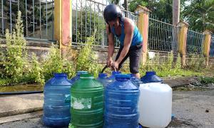 Hàng trăm hộ dân thiếu nước sạch